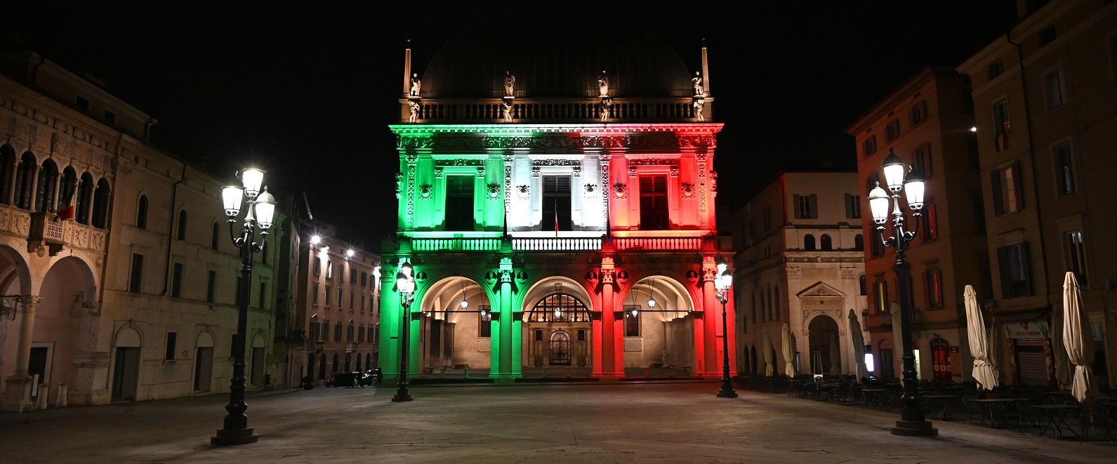 Abbiamo illuminato con il tricolore Palazzo Marino e Palazzo della Loggia