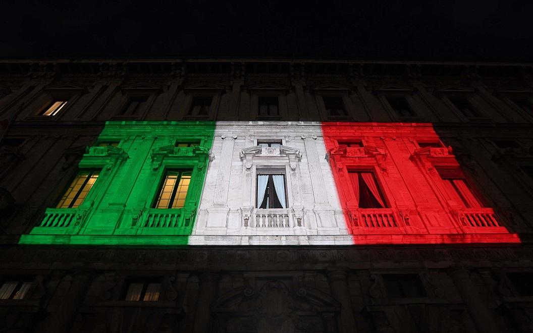 A2A illumina con il tricolore Palazzo Marino a Milano e Palazzo della Loggia a Brescia